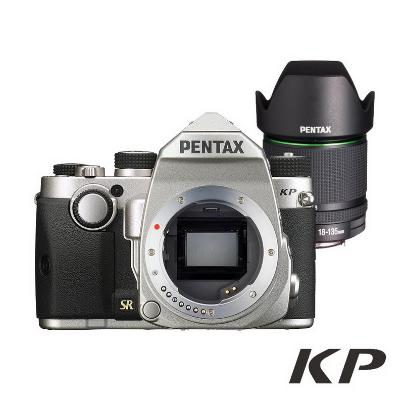 PENTAX KP+DA18-135 WR 防滴防塵旅遊鏡組_銀色【公司貨】 上網註冊送對應之電池手把