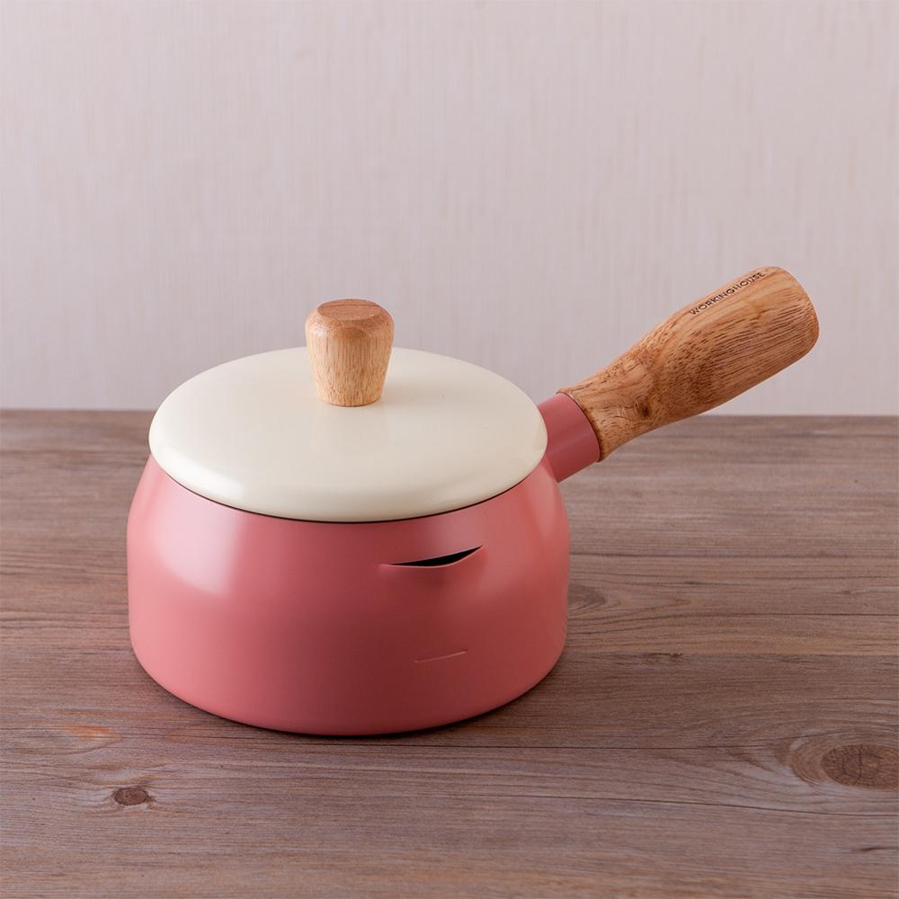 質感生活木柄牛奶鍋-優雅粉-生活工場